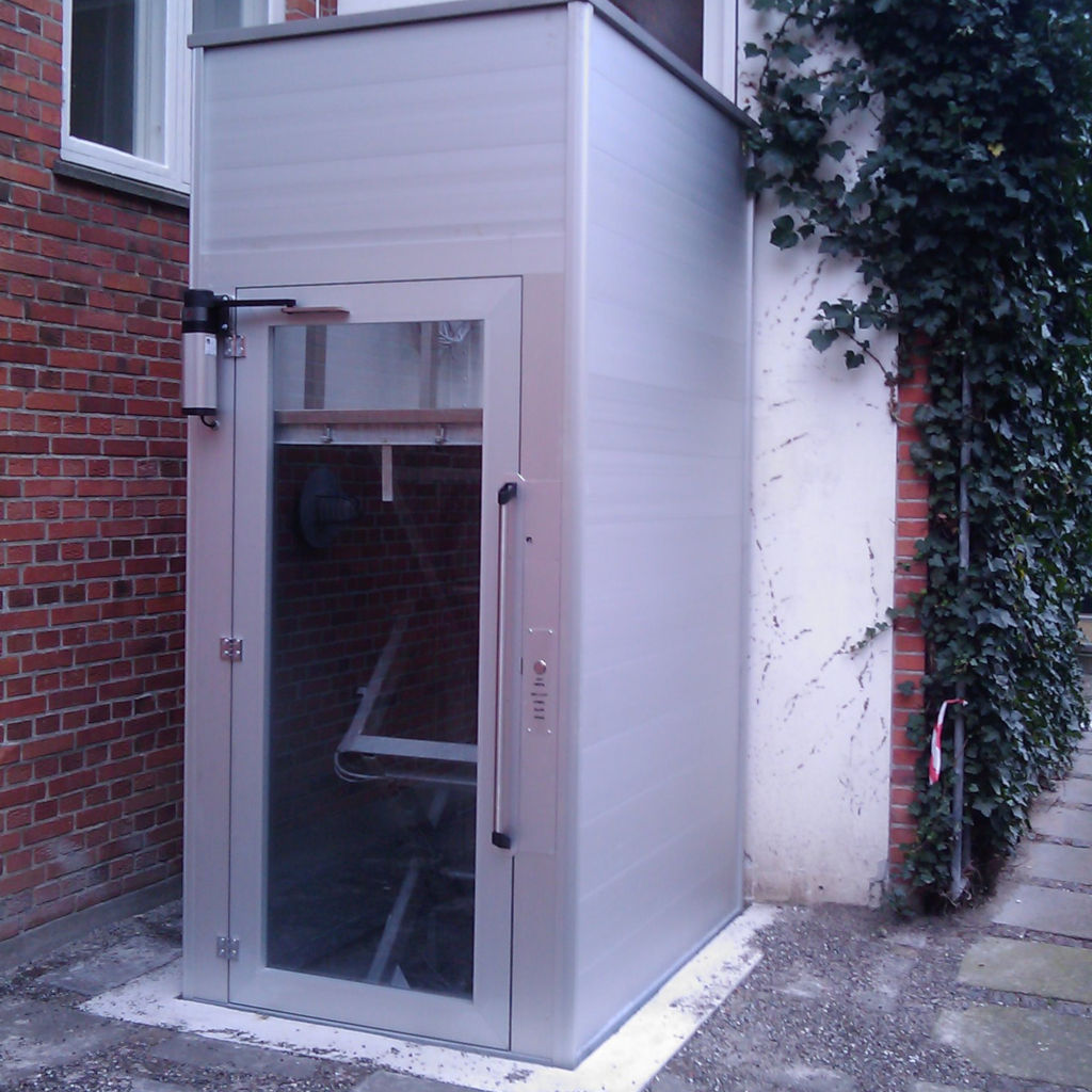 Handicap elevator with open or closed shaft- gallery 2 | HYDRO-CON Elevator A/S