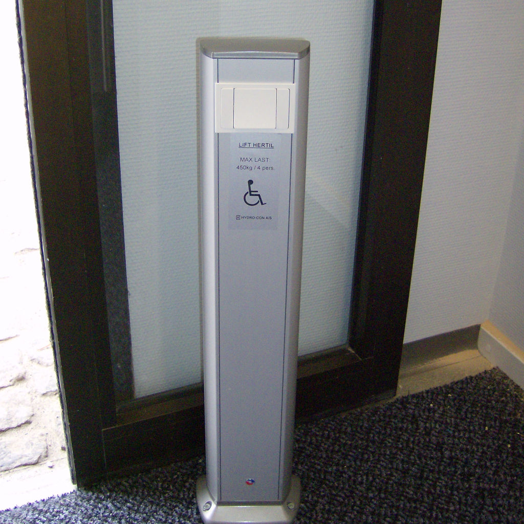 Handicap elevator with open or closed shaft- gallery 3 | HYDRO-CON Elevator A/S