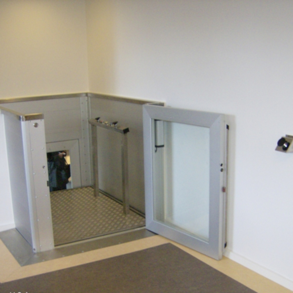 Handicap elevator with open or closed shaft- gallery 6 | HYDRO-CON Elevator A/S